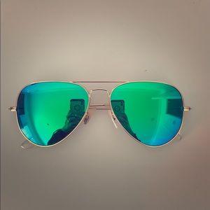Chic aviator flash lenses green flash